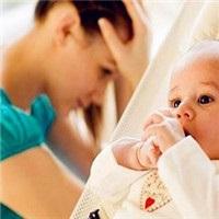 家人应该多点支持多点关怀 宝妈产后抑郁怎么办